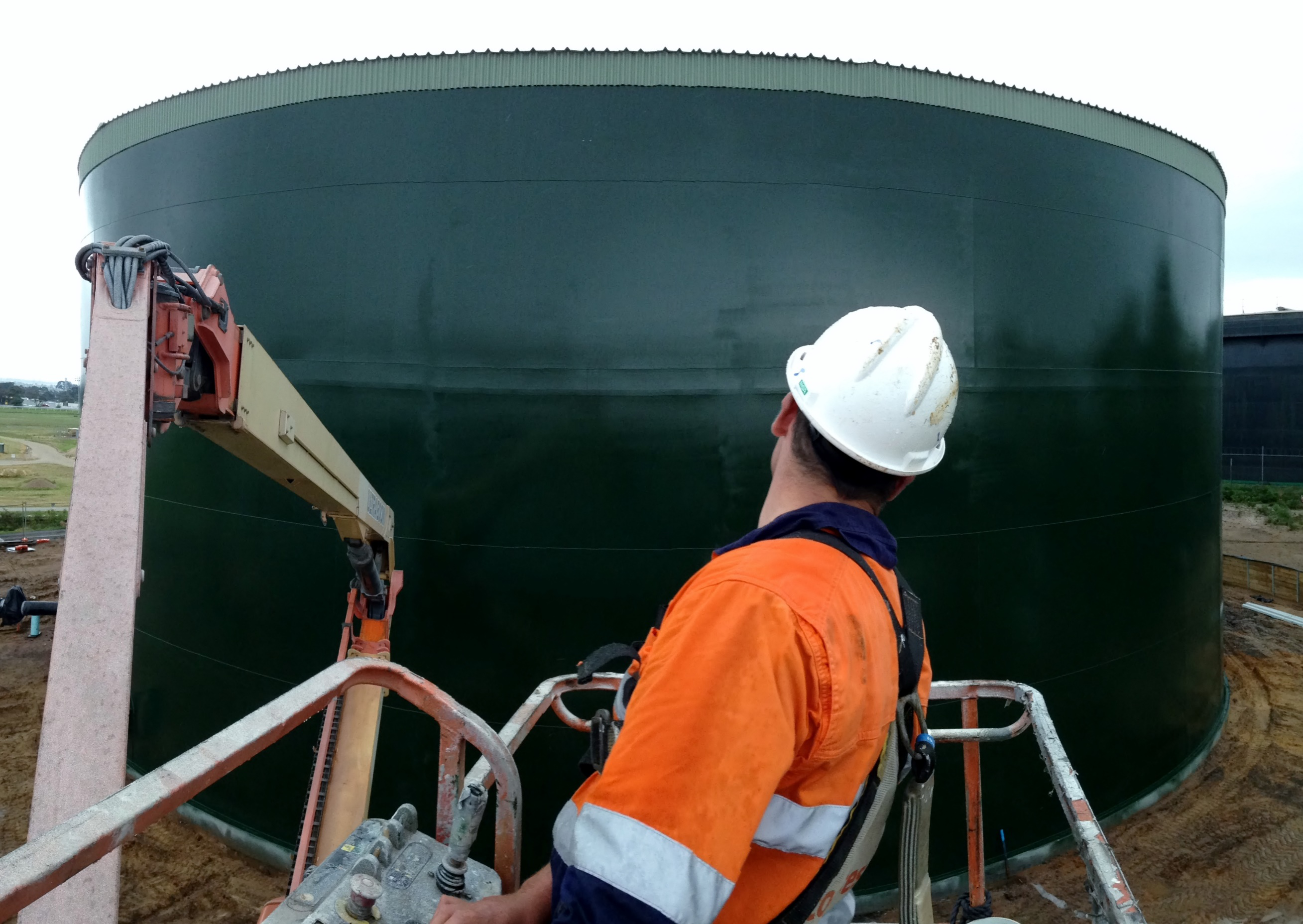 Tank inspector for API 653 and WSA-201. RemedyAP
